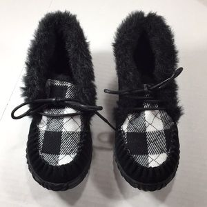 Sorel booties size 7 Black and white NEW